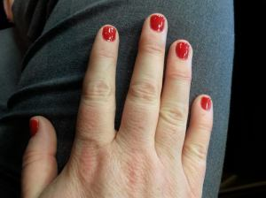 And a week later, you still have glossy, pretty fingernails!